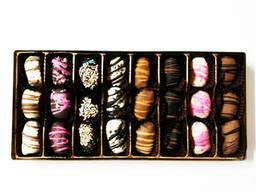 """Hadji"" chocolate dates with almonds - photo 6"