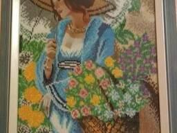 Картина Девушка в шляпе, вышита бисером (ручная работа!)